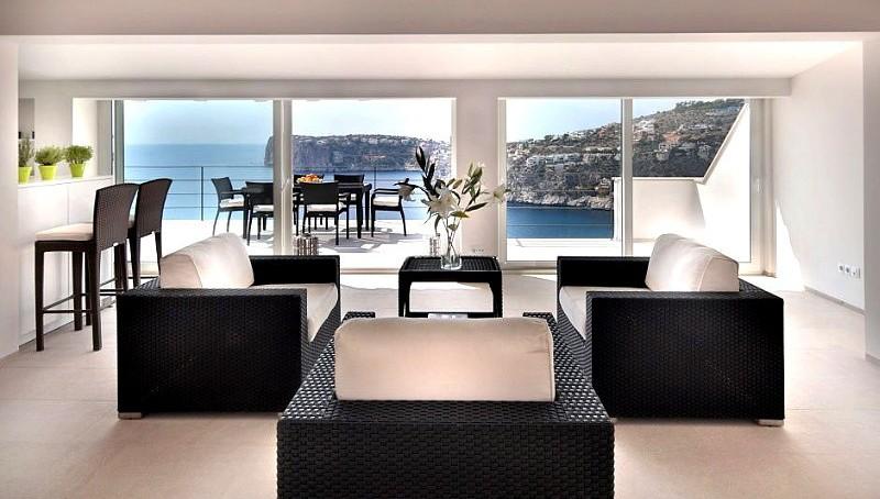 Moderne Luxus-Villa in Puerto Andratx mit Traummeerblick