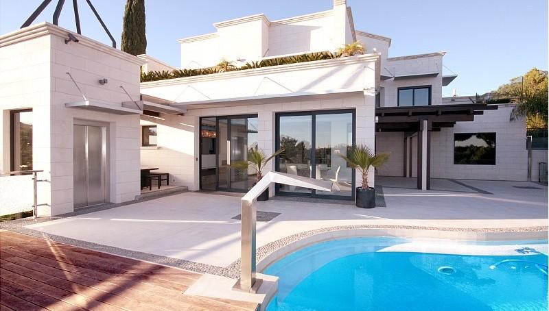 Traumvilla mit Meerblick und höchster Ausstattung in Bendinat- Pool Ansicht