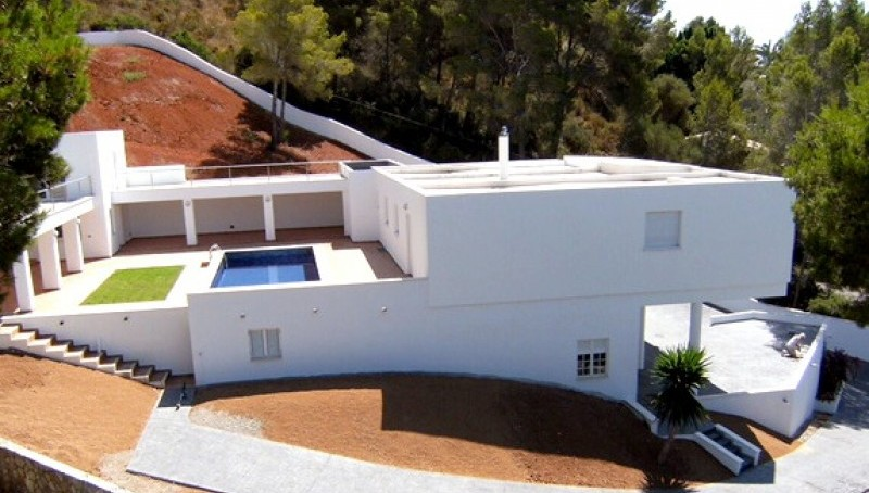 Moderne Villa mit Meerblick im Norden Mallorcas