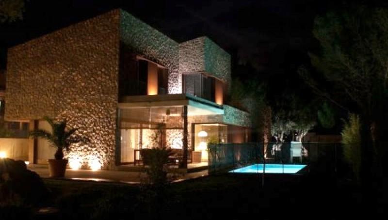 Neu gebaute Villa im minimalistischen Stil in Valldemossa