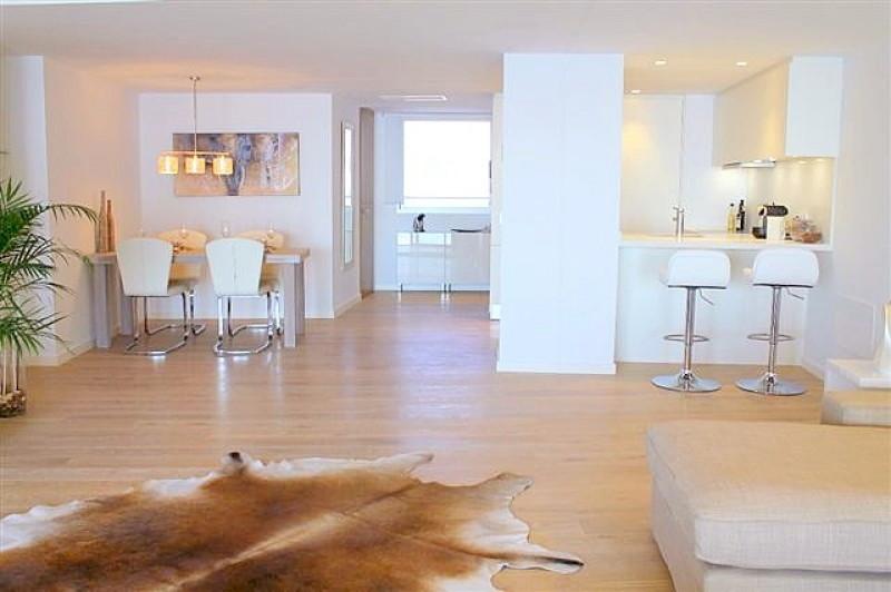 Elegante Meerblick Wohnung in San Agustin / Palma - modernes Wohnzimmer
