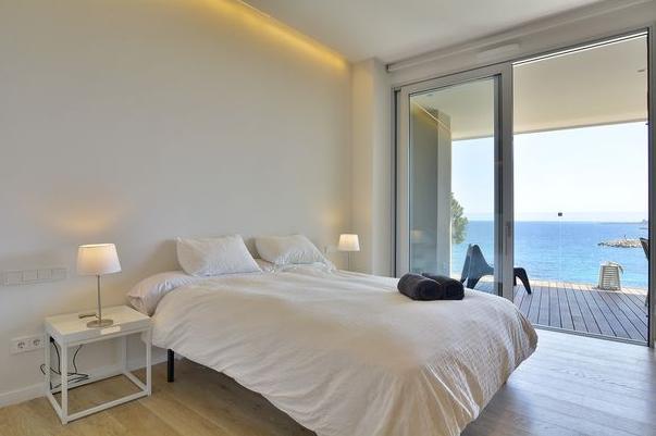 Elegante Meerblick Wohnung in San Agustin / Palma - Schlafbereich mit Meerblick