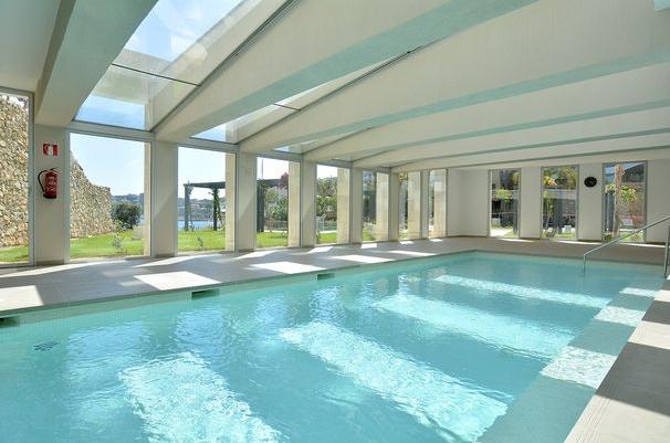 Elegante Meerblick Wohnung in San Agustin / Palma - beheiztes Hallen Bad.