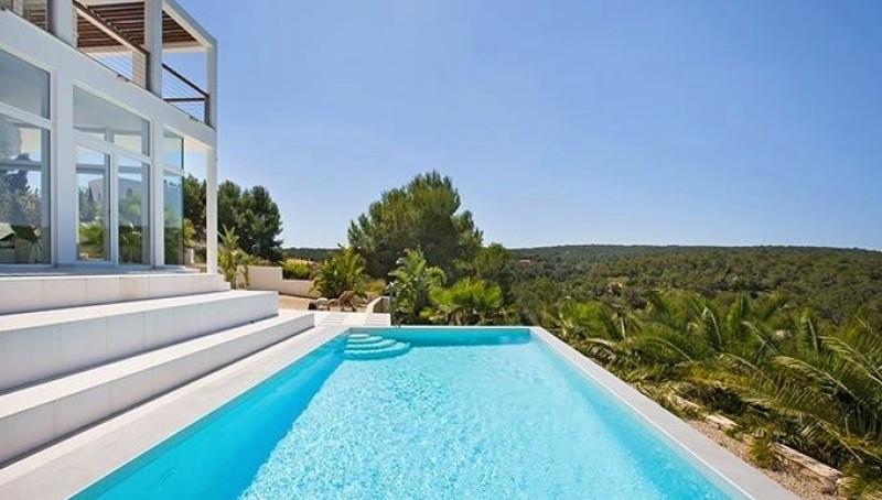 Moderne und offen gebaute Villa in Sol de Mallorca zu kaufen