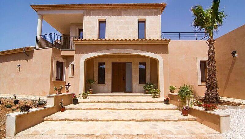 Hochwertige und traumhaft schöne Finca auf Mallorca in Campos