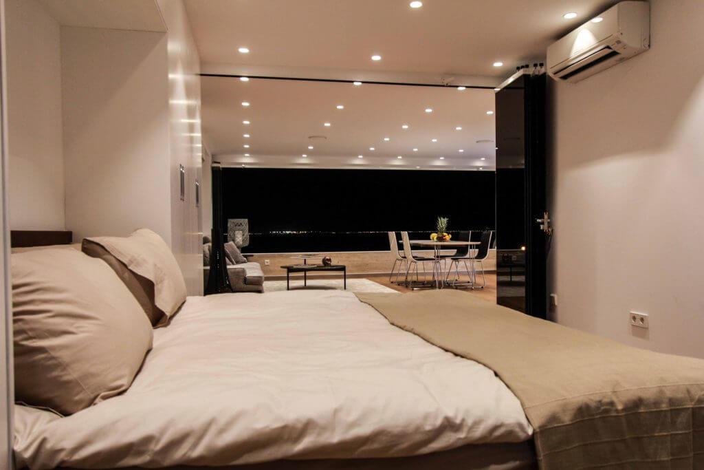 eines der sch nsten und modernsten meerblick lofts auf. Black Bedroom Furniture Sets. Home Design Ideas
