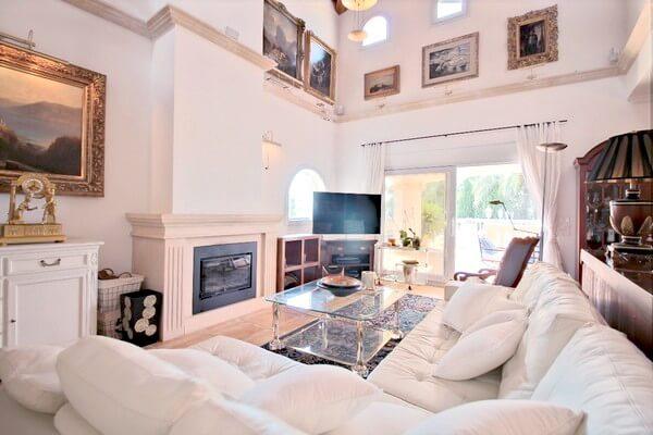 meerblick villa in santa ponsa zur langzeitmiete und kauf. Black Bedroom Furniture Sets. Home Design Ideas