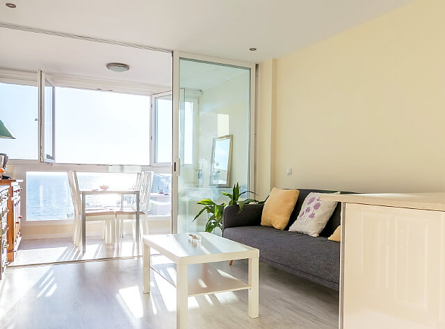 meerblick apartment in santa ponsa zur kurz oder langzeitmiete. Black Bedroom Furniture Sets. Home Design Ideas