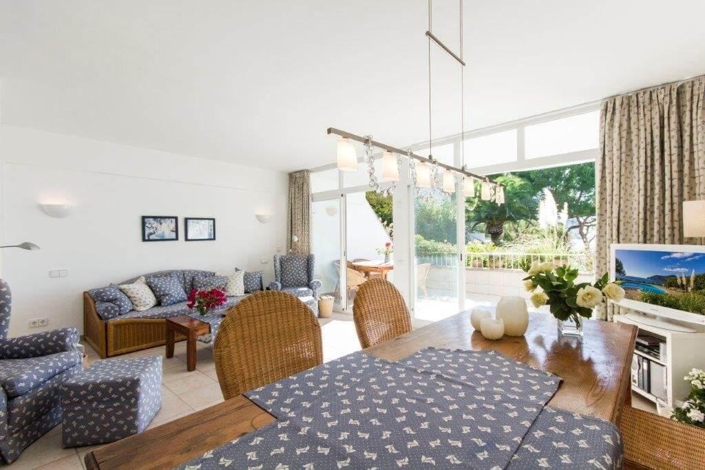 sehr gepflegtes meerblick apartment in camp de mar zur langzeitmiete. Black Bedroom Furniture Sets. Home Design Ideas