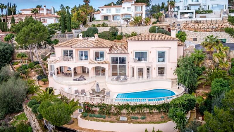 Wunderschöne Villa mit traumhaftem Meerblick in Puerto Andratx