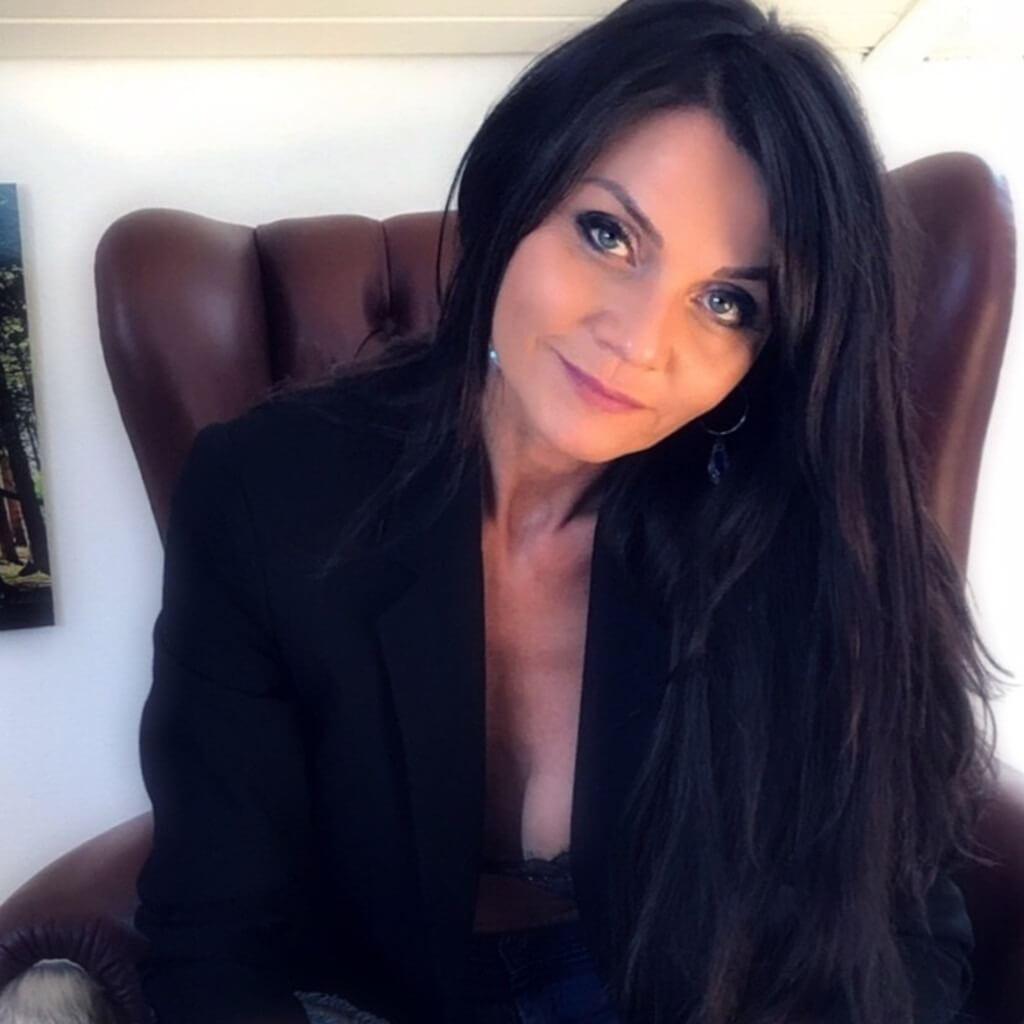 Claudia Calianno FINEST REAL ESTATE